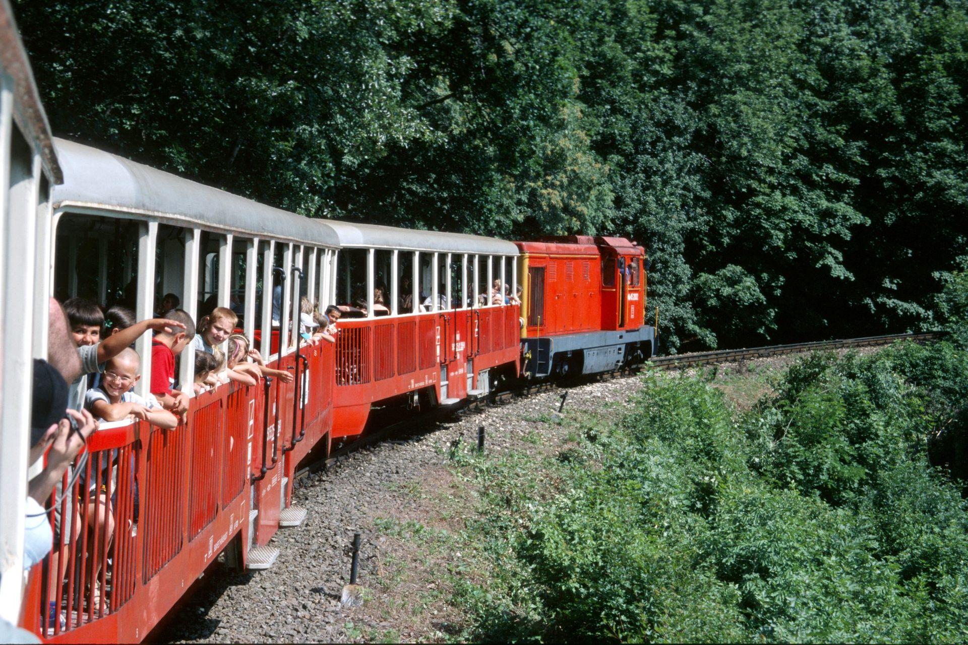 budapest-ferrovia-bambini