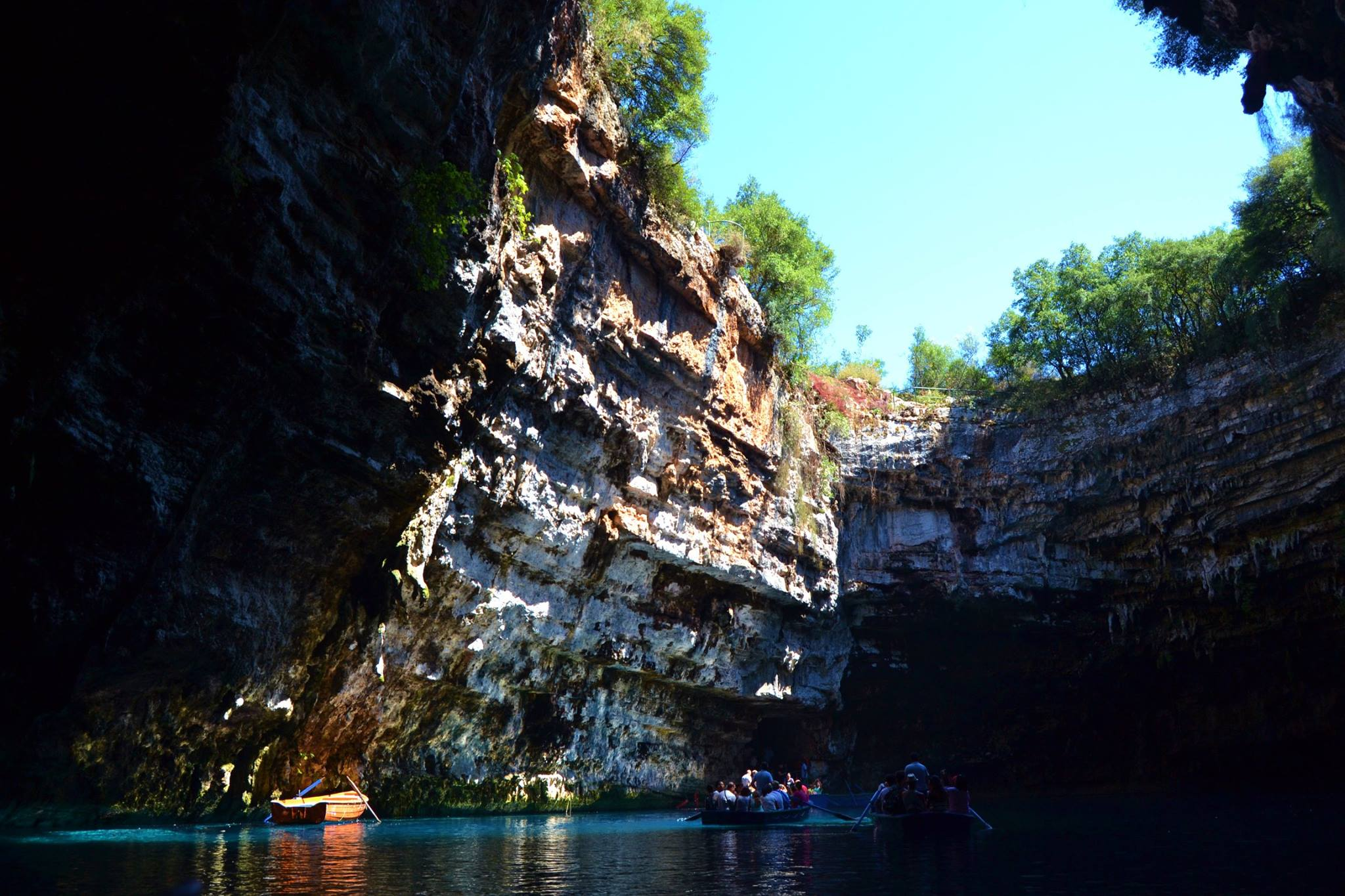 la-grotta-di-melissani